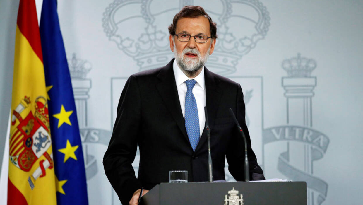 Spanish Prime Minister Mariano Rajoy addresses the media after a cabinet's meeting after a extraordinary plenary session where the application of Article 155 of the Spanish Constitution was approved, at La Moncloa palace in Madrid, Spain, 27 October 2017.  Fot. PAP/EPA/Juanjo Martin