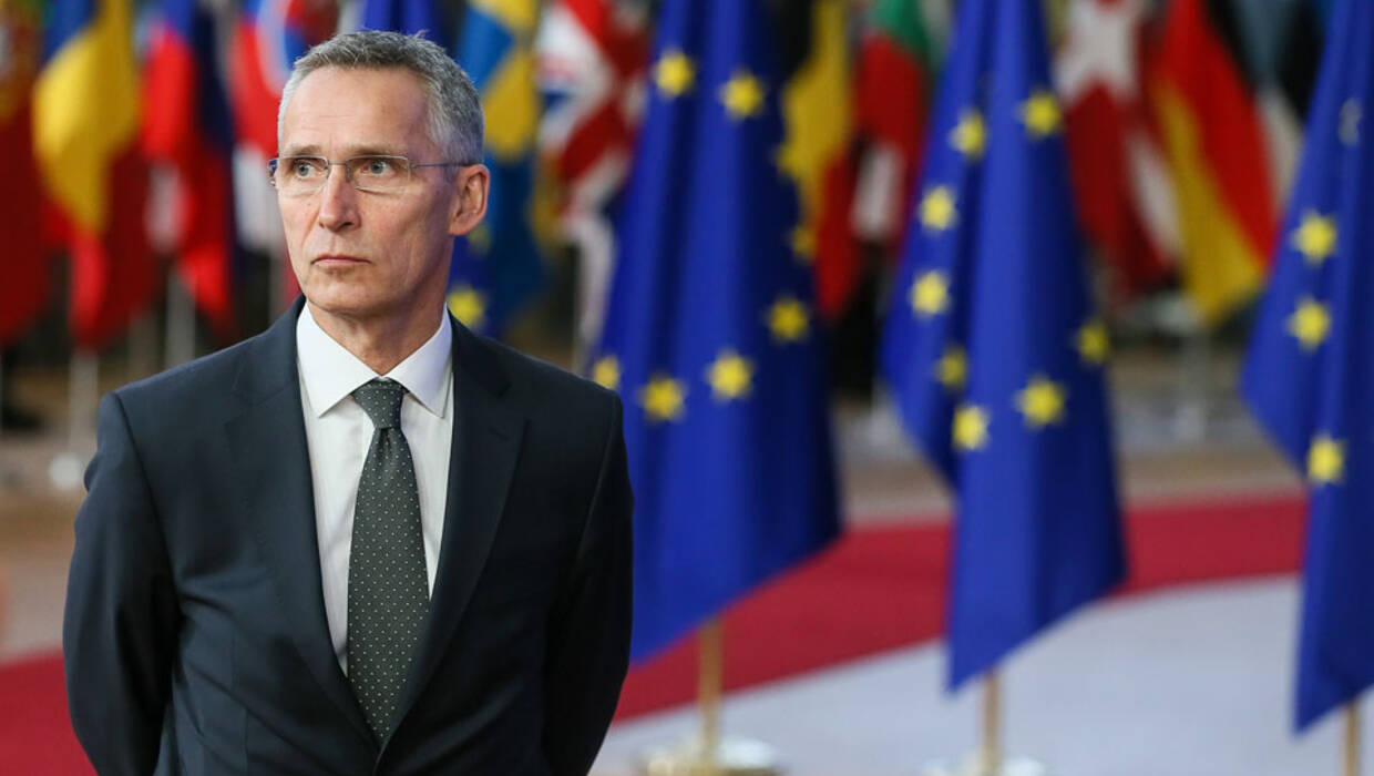 epa06389739 North Atlantic Treaty Organization (NATO) Secretary General Jens Stoltenberg, arrives at the European Council meeting in Brussels, Belgium, 14 December 2017. EU leaders gather to discuss the most compelling matters in terms of migration, defense foreign affairs, education, culture, social issues and 'Brexit' negotiations. EPA/STEPHANIE LECOCQ Dostawca: PAP/EPA. PAP/EPA © 2017 / STEPHANIE LECOCQ