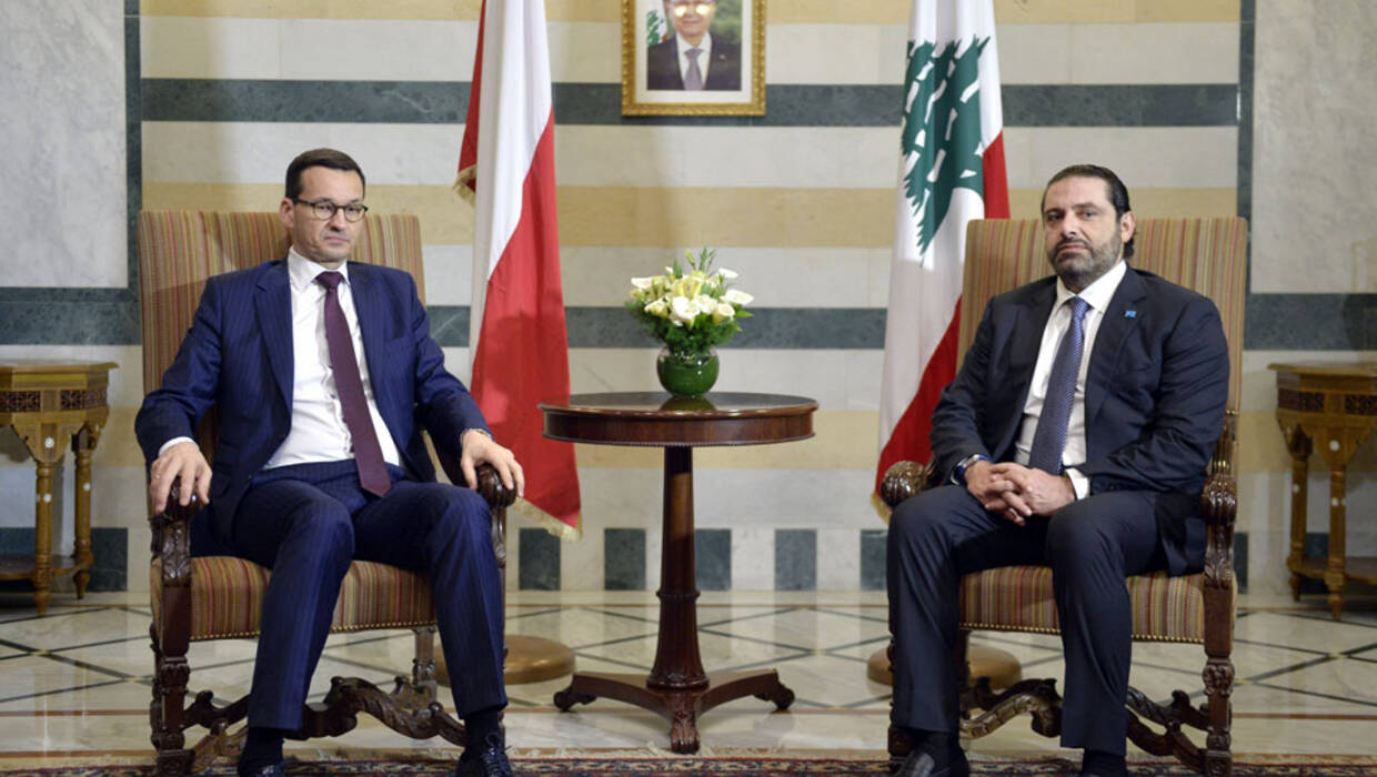 epa06518806 Lebanese Prime Minister Saad Hariri (R) meets with Polish Prime Minister Mateusz Morawiecki (L) at the Government Palace in downtown Beirut, Lebanon, 12 February 2018. Morawiecki is on an official visit for two days to meet with Lebanese officials. EPA/WAEL HAMZEH Dostawca: PAP/EPA. PAP/EPA © 2018 / WAEL HAMZEH