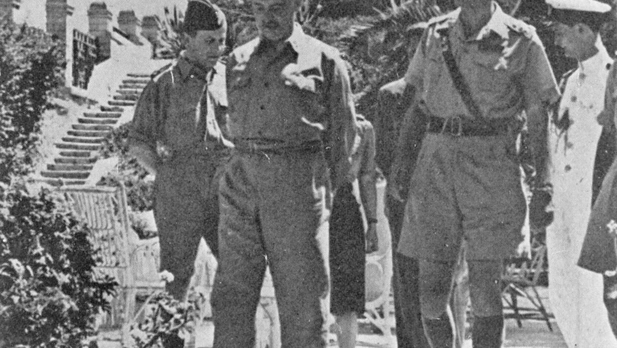 Polish gov't in-exile PM General Sikorski (L) with Gen Anders (R) /Middle East/spring of 1943 PAP/CAF