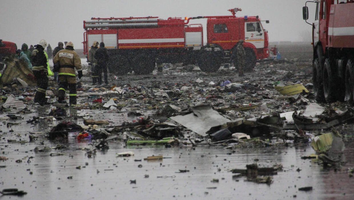 A handout picture released by the Russian Emergency Ministry shows debris of a Boeing 737 of flydubai low-cost carrier, which crashed on the runway of Rostov-on-Don airport, Russia, 19 March 2016.The flydubai Boeing 737 plane that crashed in Rostov-on-Don airport in southern Russia has left 62 people dead, according to the Russian Ministry of Emergency Situations. The plane, which completed its first commercial flight in December 2010, suffered the fatal crash during its second attempt to land amid poor visibility caused by heavy fog, incessant rain and strong winds, conditions described by experts as stormy. EPA/RUSSIAN EMERGENCY MINISTRY/HANDOUT HANDOUT EDITORIAL USE ONLY/NO SALES  PAP/EPA