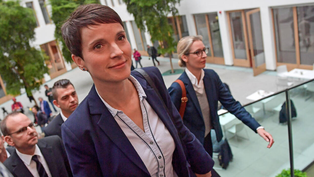 epa06225469 Frauke Petry, chairwoman of the German right-wing populist party 'Alternative for Germany' (AfD), walks next to Alice Weidel (R), co-top AfD candidate for the general elections, as they arrive for a news conference in Berlin, Germany, 25 September 2017. Petry during the media briefing announced that she will be not be part of the party's parliamentary group in the new 'Bundestag' parliament. The right-wing populist AfD party became the third strongest party in the next German federal parliament, the Bundestag, following the 24 September general elections.  PAP/EPA/THORSTEN WAGNER