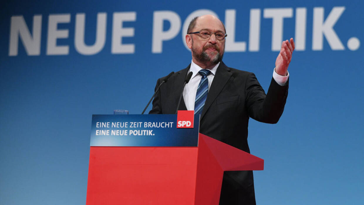 Martin Schulz, leader of the Social Democratic Party (SPD), delivers a speech at the extraordinary federal party convention of the German Social Democratic Party (SPD) in Bonn, Germany, 21 January 2018. Fot. PAP/EPA/SASCHA STEINBACH