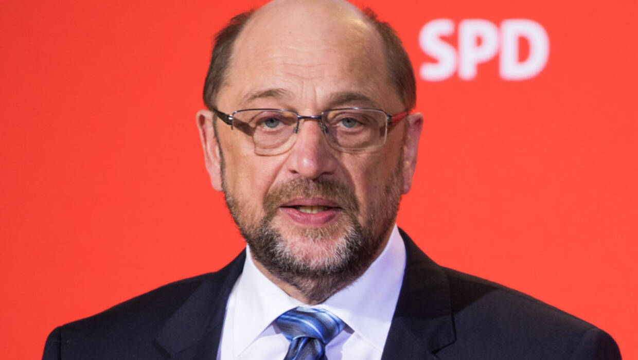 Martin Schulz quits as foreign minister in Angela Merkels